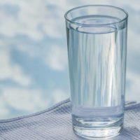 Какую лучше пить воду – сырую или кипячёную?